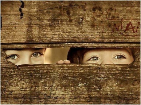 64348-Kids-Peeking-Through-Fence